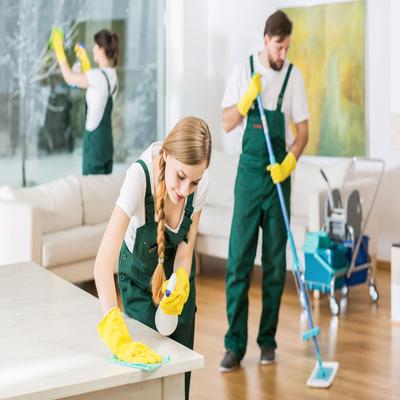 Empresa terceirizada de limpeza na Cidade Monções